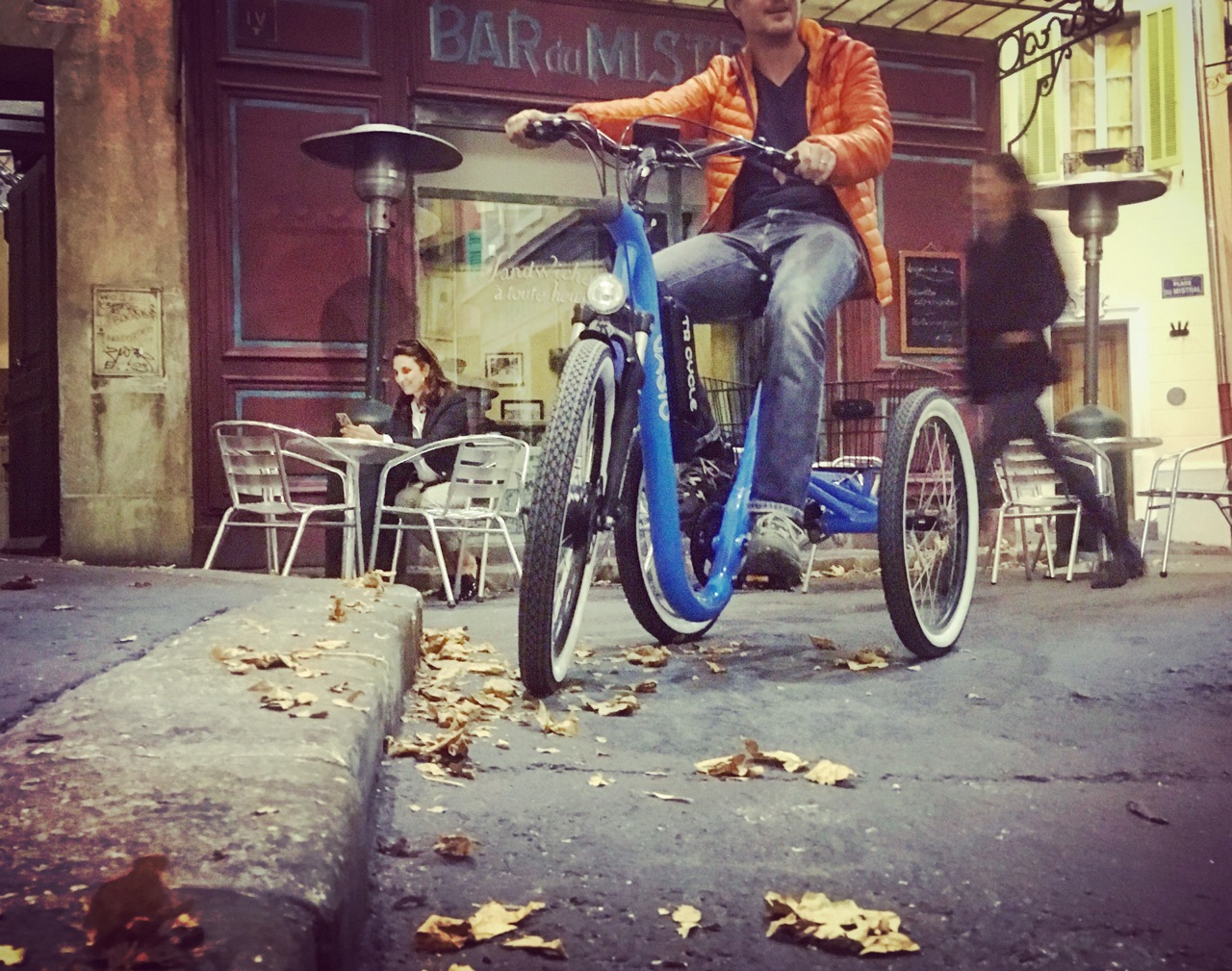 Tricycle Evasion - plus belle la vie